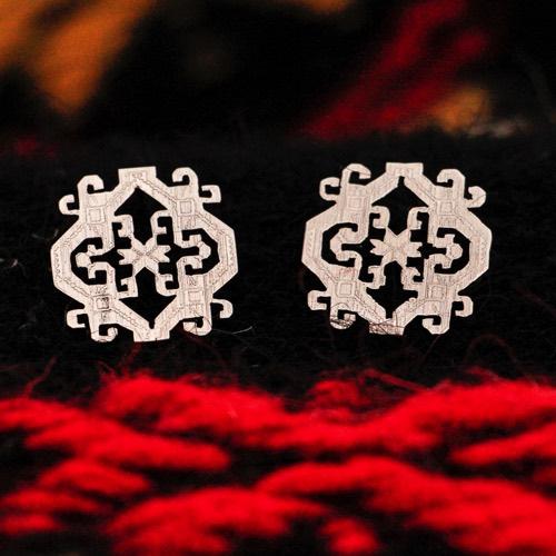 """Anatolica""  Earrings (Detail of the pattern) ""Li Trami - Aggius"" 1"